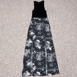 Hurley Sleeveless Maxi Dress